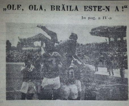 O imagine istorica cu antrenorul Bujor Halmageanu purtat pe brate de fotbalistii braileni la promovarea in divizia A in 1990